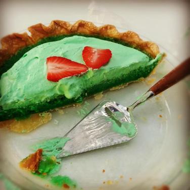 Paula Deen's Green Grits Pie