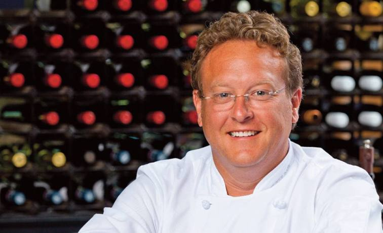 Dave Snyder, owner and executive chef of Halyards restaurant group of St. Simon's Island, is a graduate of the New England Culinary Institute in Vermont.The Georgia Association named Dave a finalist for Restaurateur of the Year in 2012 and selected him as one of four chefs to represent Georgia Restaurant Association's Georgia Grown program in 2013.