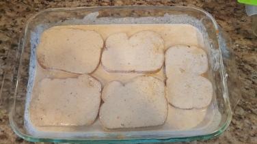 Soak the bread slices in the milk + pumpkin mixture.