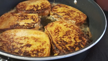 Cook in butter and oil until golden brown!